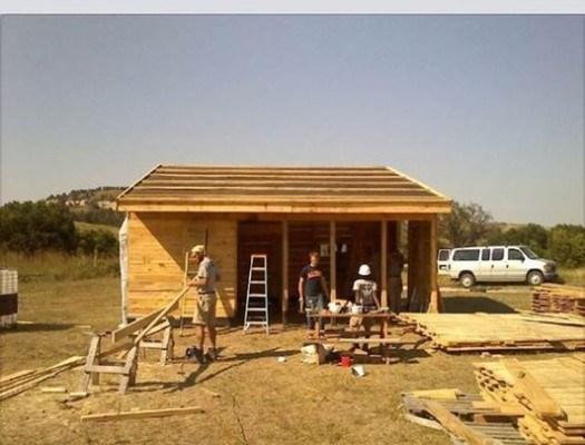 "Village Earth Affiliate ""Earth Tipi"" Builds Caretaker Cabin on the Pine Ridge Reservation"